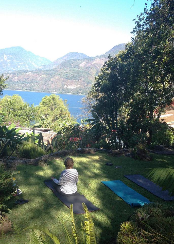 yoga am lake posada2014
